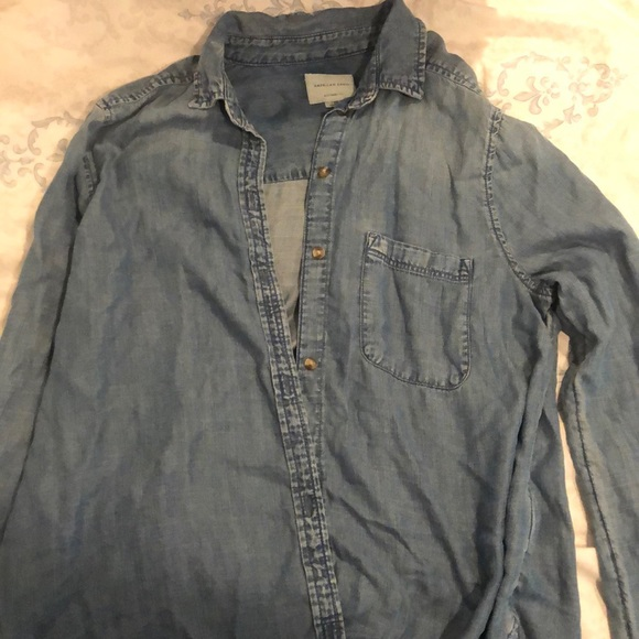 American Eagle Outfitters Tops - Jean like button down